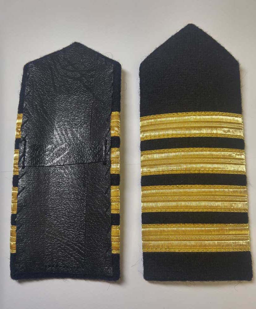 "Shoulder Board (hard), Captain, 152mm (6"")"