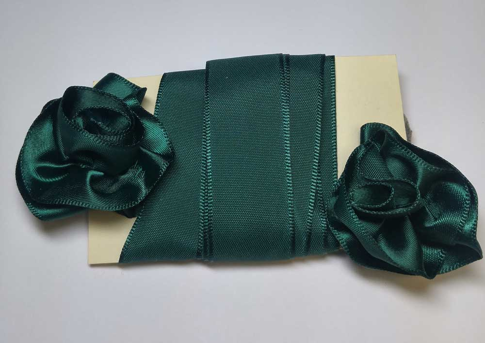 Gorget Rosette, Green